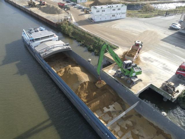 Werftransport over water ©2020 AID
