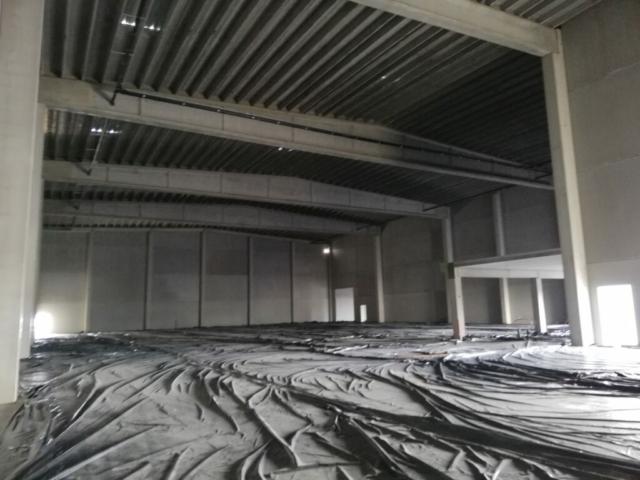 betonvloer in magazijnen module 2 gegoten